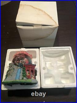 Disney Classic Snowglobe Globel Mulan Plays Reflection Music Box Rare