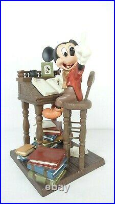 Disney WDCC 4009062 Christmas Carol Mickey Mouse Earnest Employee withCOA