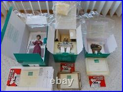 Disney WDCC CINDERELLA Figurine LADY TREMAINE'S Stepmother, Tea is Served, Catnap