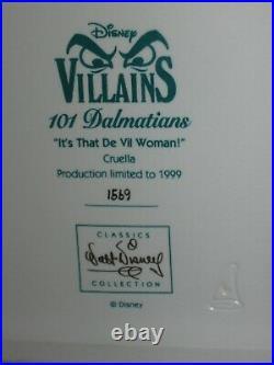 Its that De Vil Woman! WALT DISNEY CLASSICS COLLECTION VILLIANS CRUELLA IN BED