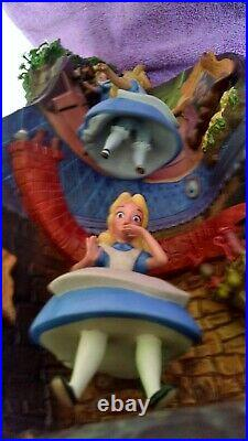 WDCC Alice & Dinah Down the Rabbit Hole from Alice in Wonderland COA LE
