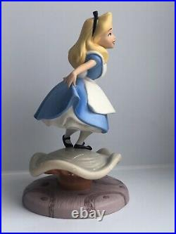 WDCC Alice In Wonderland Properly Polite Figurine Walt Disney Classics DAMAGED
