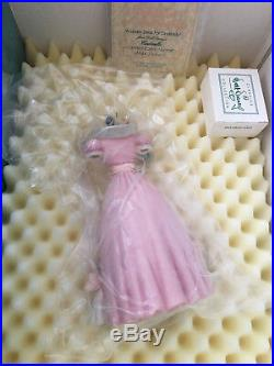 WDCC Cinderella's Dress A Lovely Dress for Cinderelly NIB withDome, Base and COA