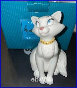 WDCC Disney Classics The Aristocats Duchess Fetching Feline Figurine