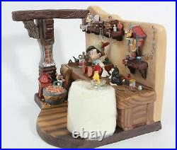 WDCC Disney Pinocchio Geppettos Workbench The Finishing Touch 1217956 MIB COA