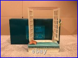WDCC Peter Pan Off to Never Land Window Base + Box