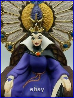 WDCC Villains Snow White And The Seven Dwarfs Queen Enthroned Evil w COA