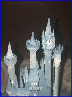 Walt Disney Classics Cinderella's Castle Enchanted Places Statue WDCC